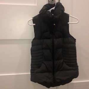 NEVER WORN!! Black LULULEMON vest.